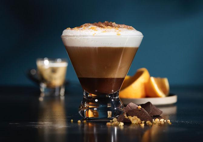Интересный способ подачи кофе