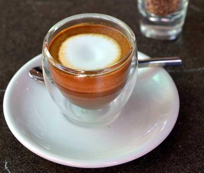 Эспрессо с молочной пеной