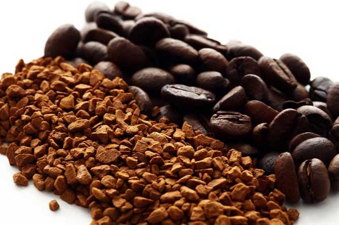 Из растворимого напитка убирают кофеин