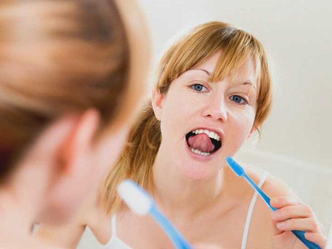 Регулярно чистить зубы