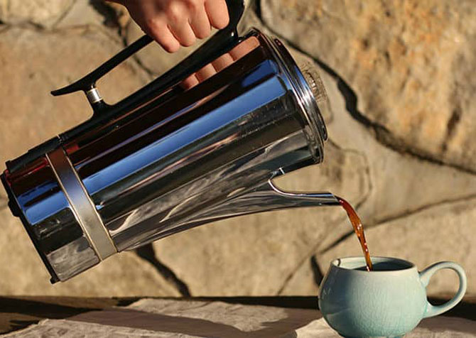 Кофейник с напитком
